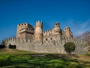 castelllo_di_fã©nis